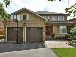 4+1 BEDROOM EXECUTIVE IN GLEN ABBEY!